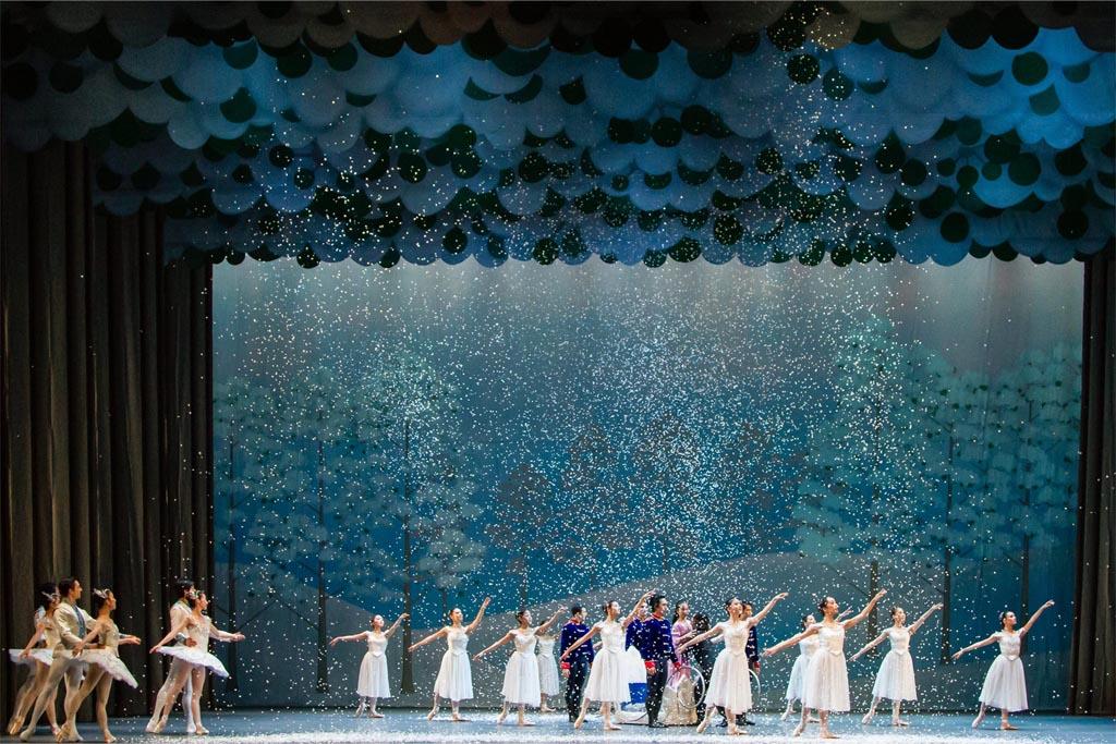 the-nutcracker-singapore-dance-theatre-1