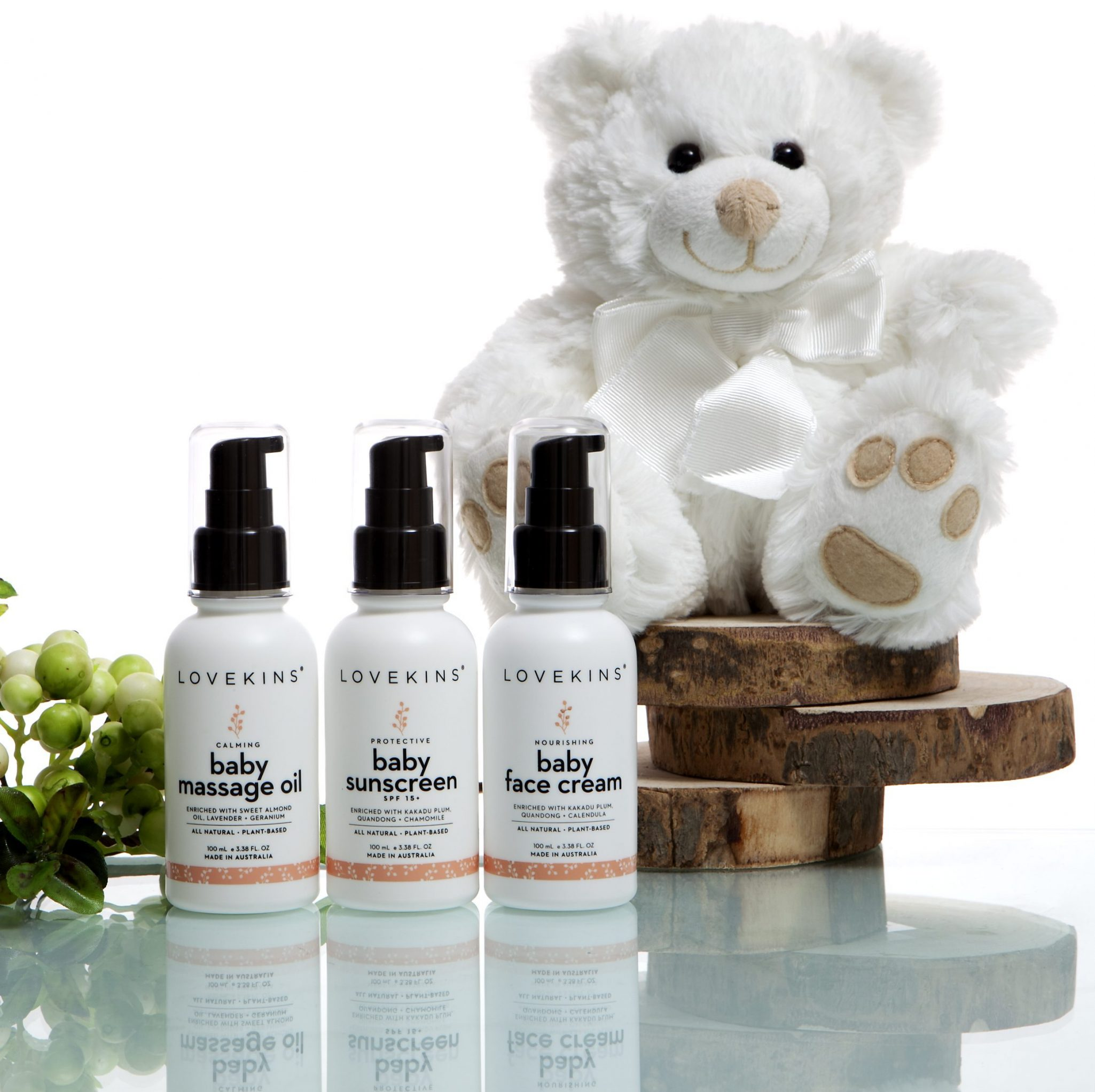 Lifestyle-bear-massage-oil-sunscreen-face-cream-group-e1490842111964
